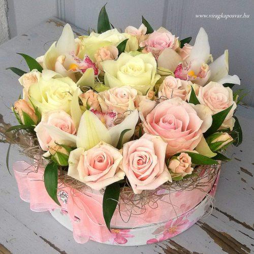 Virágdoboz világos, pasztell színben
