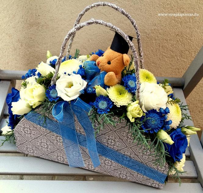 Ballagási virágtáska kék-fehér, macival