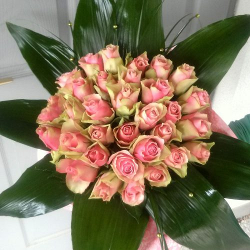Rózsaszín rózsacsokor