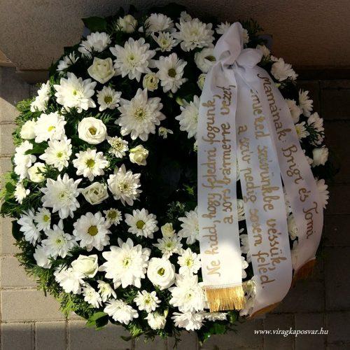 Görög koszorú körben díszített vegyes fehér virágokból