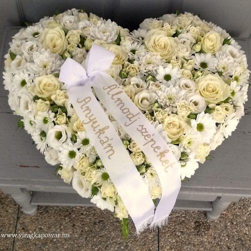 Szívkoszorú rózsával