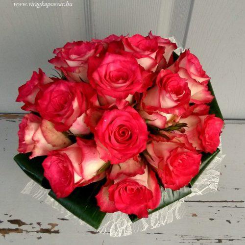 Színes rózsacsokor