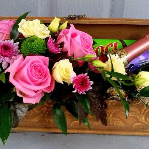 Virágláda minipezsgőkkel-csokikkal